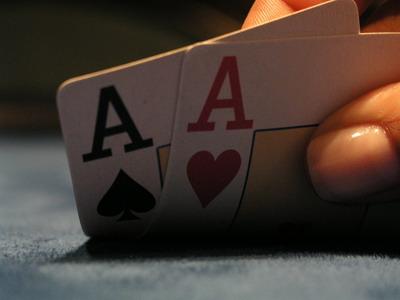 Jugada falsa en poker